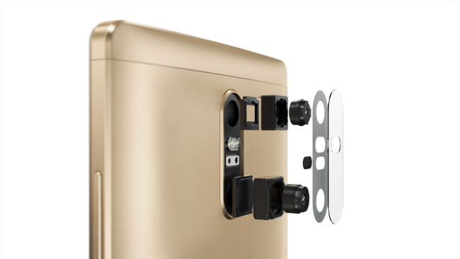 Lenovo Phab2 Plus detalle de la cámara digital y del flash