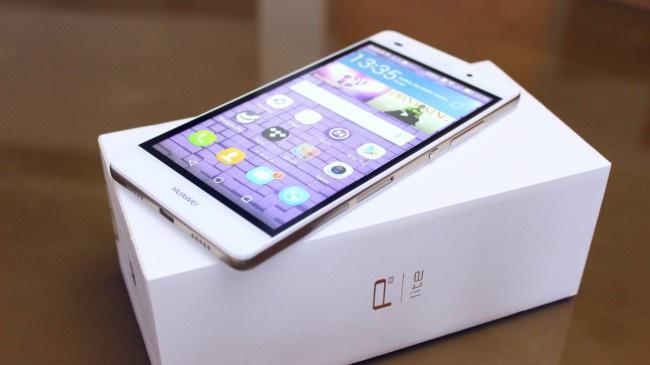P8 Lite de Huawei en blanco